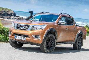 Nissan Navara OFF-ROADER AT32 2018